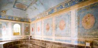 """Bagno di Maria Carolina al Belvedere di San Leucio, S.O.S. ai privati. La direttrice Cioffi: """"Aiutateci a salvarlo"""""""