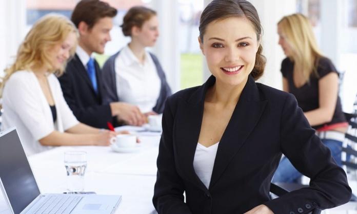 Lavoro al femminile: il Covid ha rallentato di 36 anni la parità di genere. L'Italia migliora