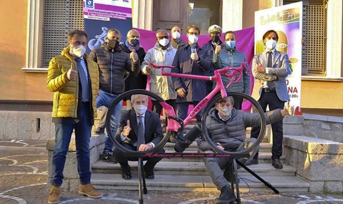 Al via le manifestazioni per l'arrivo della tappa al Giro d'Italia