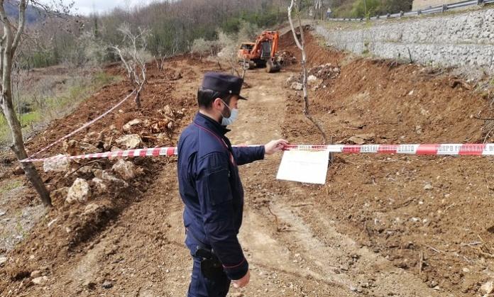 Sbancamento abusivo di terre e rocce a Rocchetta e Croce: sequestrato un cantiere di circa 3mila metri quadrati