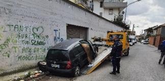 La Polizia Municipale di Caserta ha rimosso tre veicoli abbandonati, i proprietari multati con una sanzione da 1600 euro