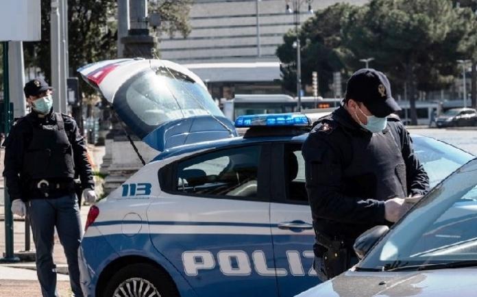 Poliziotti aggrediti a Caserta durante un controllo per le restrizioni anti Covid-19