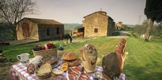 L'ipotesi riapertura delle attività di ristorazione a pranzo e a cena sfruttando gli spazi all'aperto piace Coldiretti
