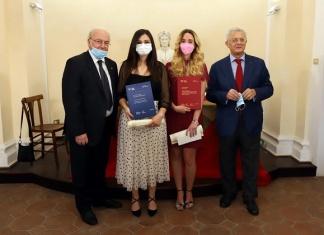 Il Lions Club Caserta Host premia le neolaureate dell'Università Vanvitelli Antonella Parente e Martina Menditto