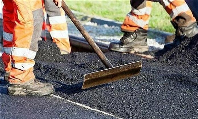 Caserta, lavori alla pavimentazione di Via Tescione