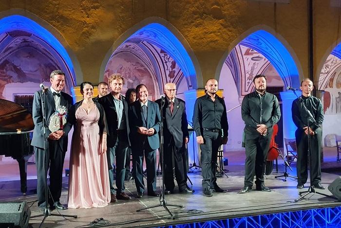 Centenario Enrico Caruso, omaggio al grande tenore nel Chiostro di San Domenico a Piedimonte Matese - gruppo