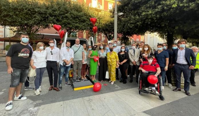 L'azienda 'Progetti del Cuore' consegna un veicolo per il trasporto dedicato alle persone diversamente abili all'associazione 'Marcianise Soccorso'